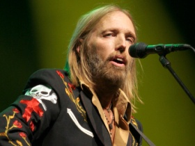 Tom Petty and the HeartBreakers Plan 2013 Summer Tour with Festival Apperances.